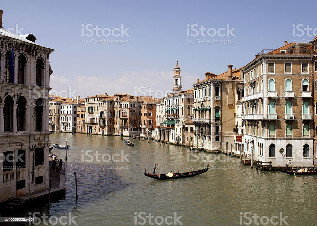 Italy, Venice, Grand canal with boats and gondolas photo libre de droits
