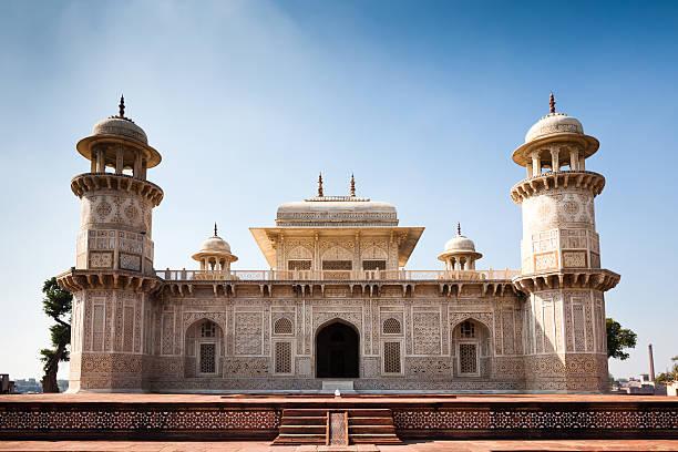 itmad ud daulah tomb agra landmark india - mausoleum stockfoto's en -beelden