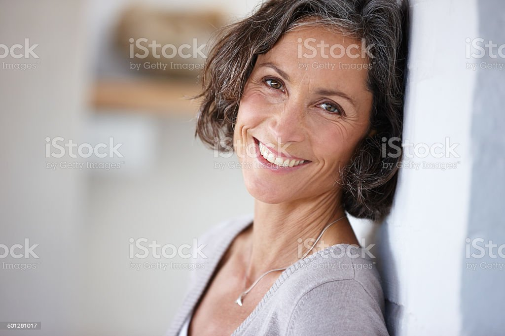 It's always good to know a friendly face Shot of an attractive mature woman leaning against a wallhttp://195.154.178.81/DATA/i_collage/pu/shoots/784547.jpg 40-49 Years Stock Photo