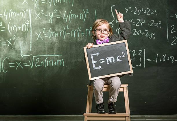 es que todos deben saber - e=mc2 fotografías e imágenes de stock