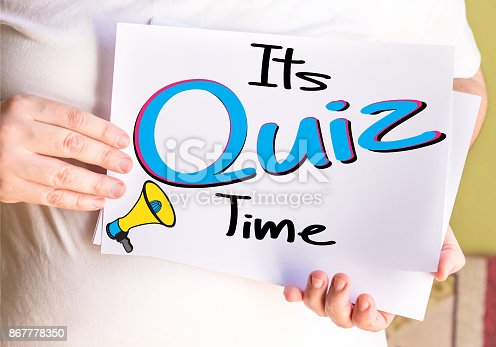 istock Its Quiz Time, on white paper 867778350