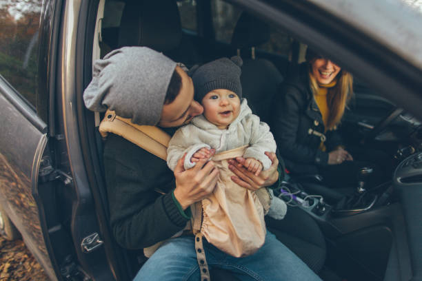 es hora de viaje por carretera - viajes familiares fotografías e imágenes de stock