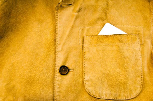 Jacke mit weißem Papier – Foto