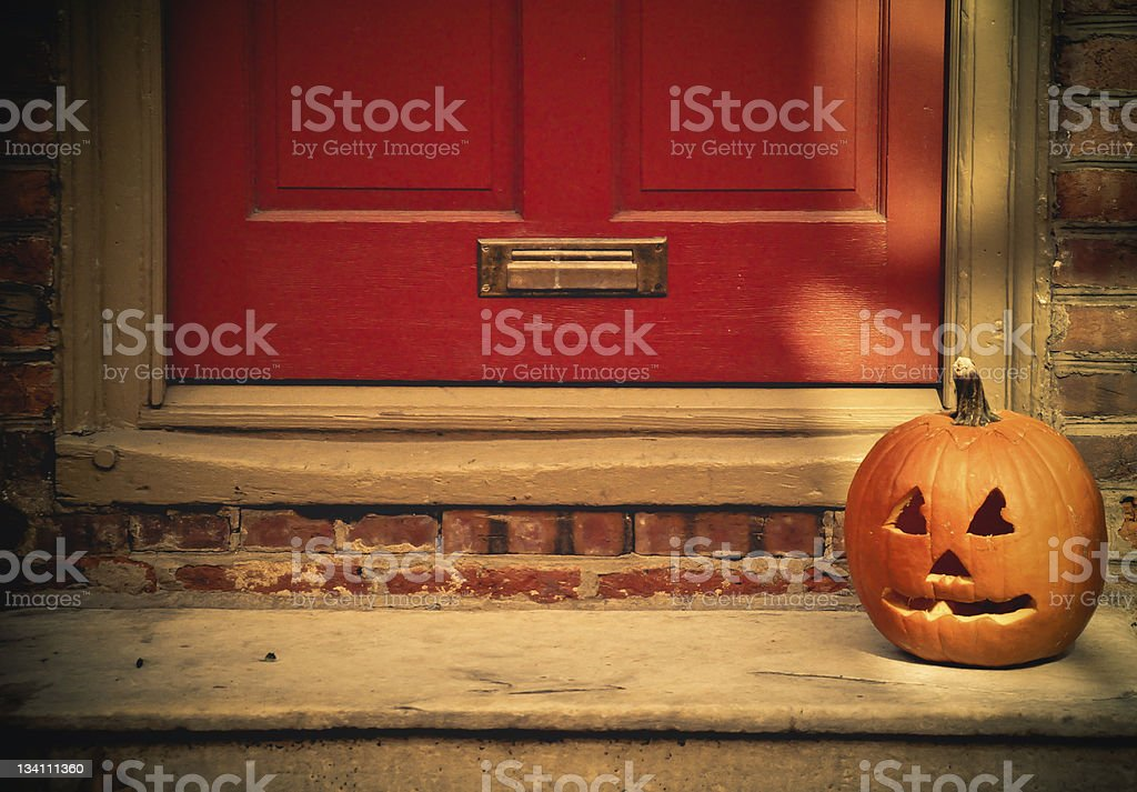 ... Jack-Ou0027-Lantern On A Doorstep stock photo ... & Doorstep Pictures Images and Stock Photos - iStock pezcame.com