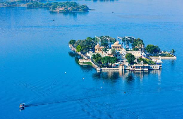 Jag Mandir Palace, Lake Pichola, Udaipur, Rajasthan, India Jag Mandir Palace, Lake Pichola, Udaipur, Rajasthan, India, Asia udaipur stock pictures, royalty-free photos & images
