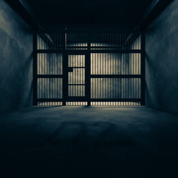 prison dans l'obscurité. - prison photos et images de collection