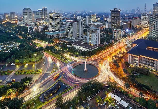 intersection de jakarta - indonésie photos et images de collection