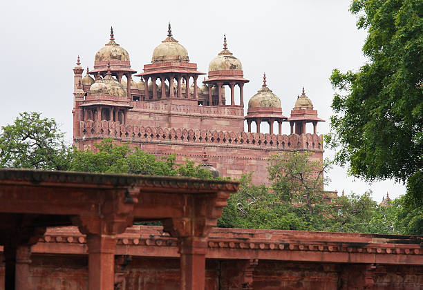 Jama Masjid mosque in Fatehpur Sikri in Agra Jama Masjid mosque (16th Century) in Fatehpur Sikri, ancient city founded by Mughal emperor Akbar, one of the best preserved collections of Indian Mughal architecture  in Agra, Uttar Pradesh, India agra jama masjid mosque stock pictures, royalty-free photos & images