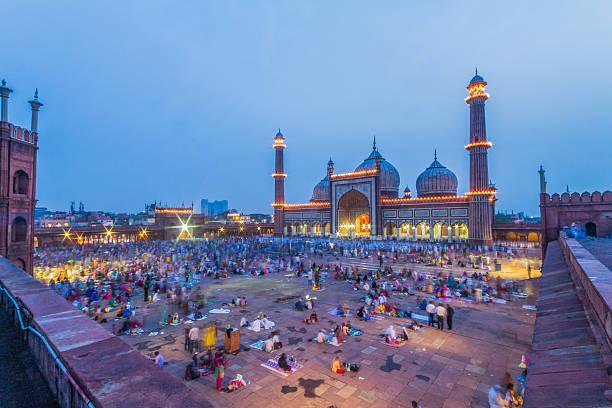 Jama Masjid view of Jama Masjid on Eid 2015 agra jama masjid mosque stock pictures, royalty-free photos & images