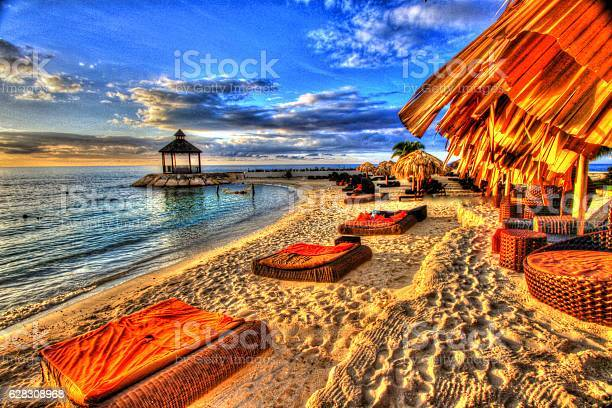 Jamaica picture id628308968?b=1&k=6&m=628308968&s=612x612&h=t9b9jj5awcn4giokyviw ycalemjjwiiclgd2q6dckk=
