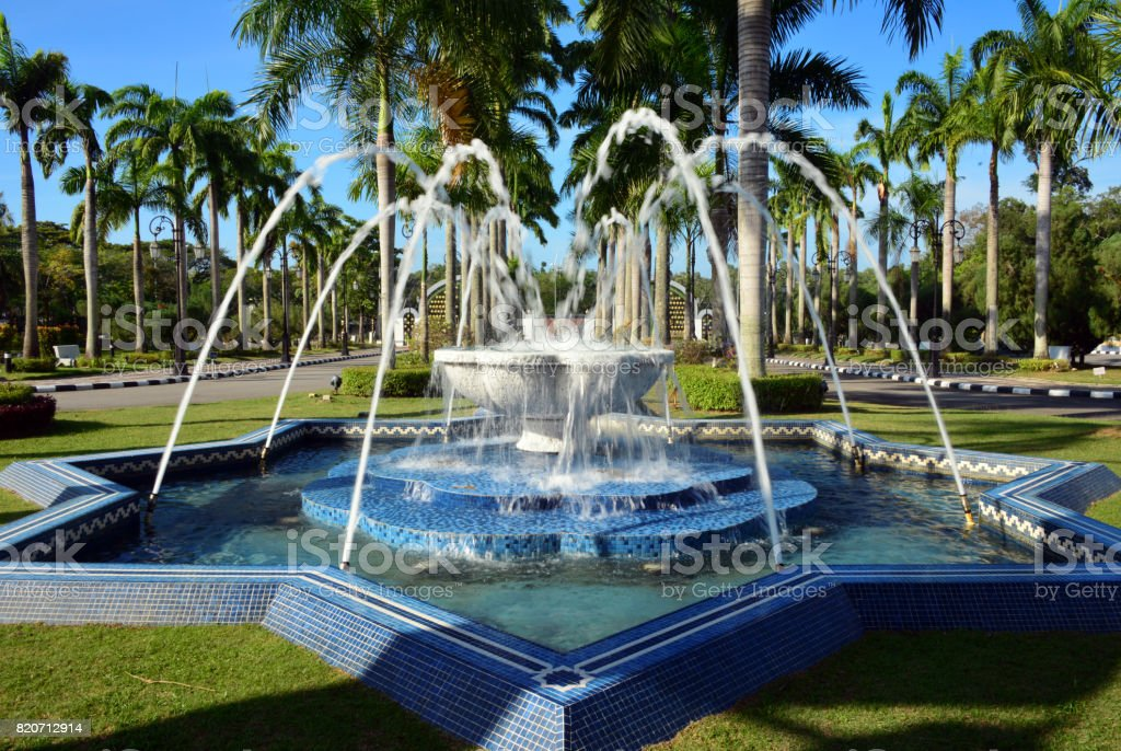 Jame Asr Hassanil Bolkiah mosque fountain, Bandar Seri Begawan, Brunei stock photo