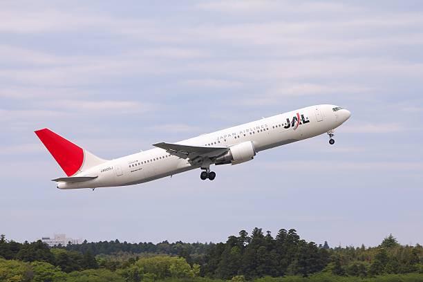 japan airlines - b767 stock-fotos und bilder