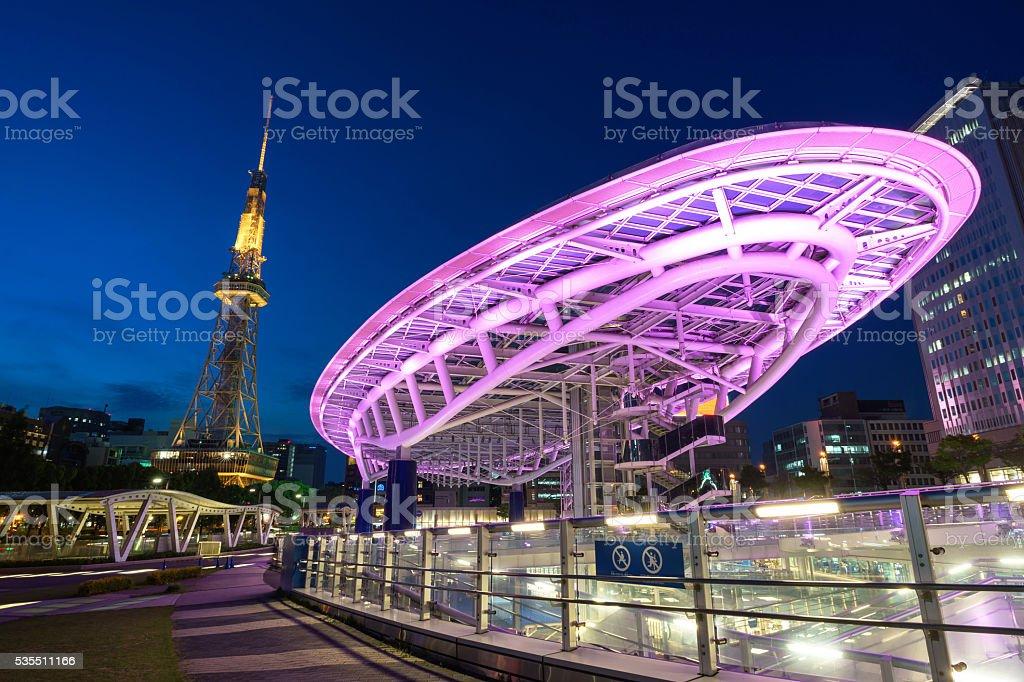 Japan Stadt im oasis21 und Nagoya-Turm bei Nacht – Foto