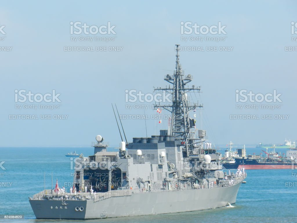 日本海上自衛隊軍艦照片檔及更多下錨照片 Istock
