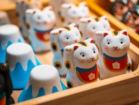 Japan Souvenir Lucky cat and fuji mountain shop Craft product ceramic dolls
