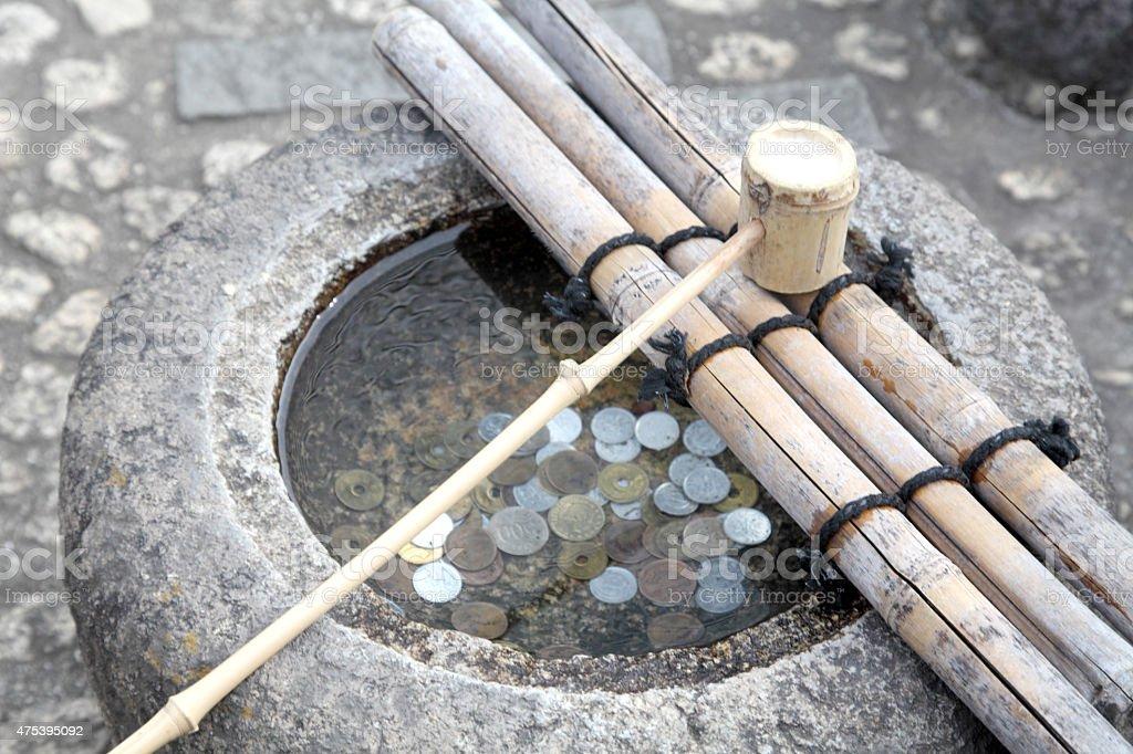 japanischem bambus kelle und wasser vase stock fotografie und mehr bilder von 2015 istock. Black Bedroom Furniture Sets. Home Design Ideas