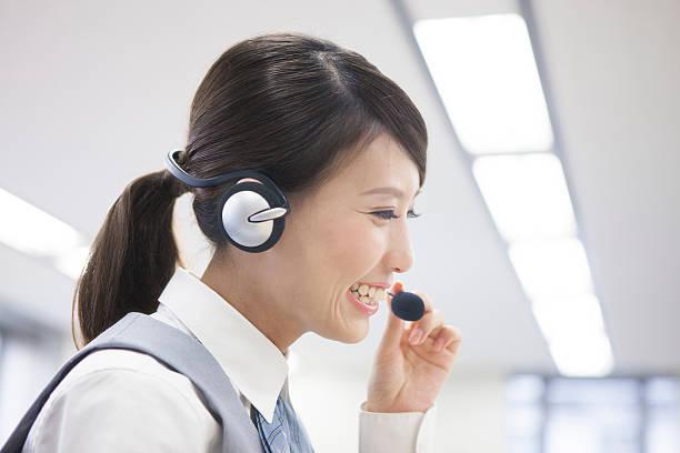 japanese call centre employee - コールセンター ストックフォトと画像