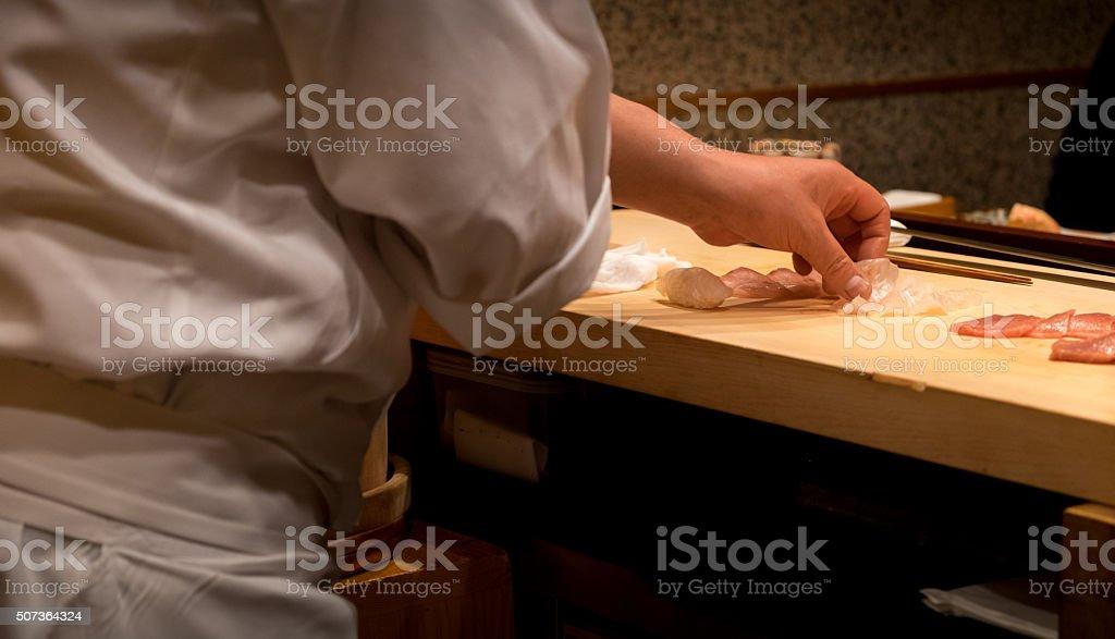 日本の寿司シェフの準備 ストックフォト