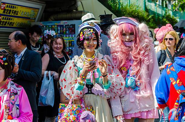 japanische kostüm spieler in harajuku, tokio - tokyo cosplay stock-fotos und bilder