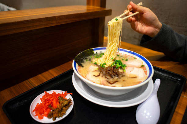 日本の有名な麺 - ラーメン ストックフォトと画像