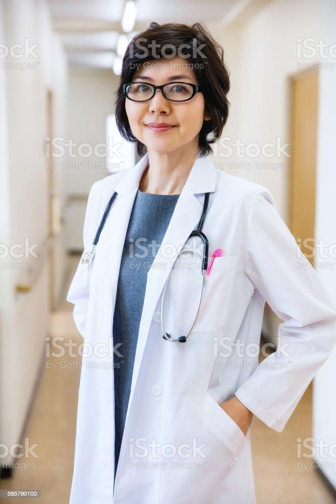 Japanese Female Doctor – Foto