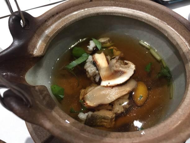 日本の食べ物 - 松茸 ストックフォトと画像