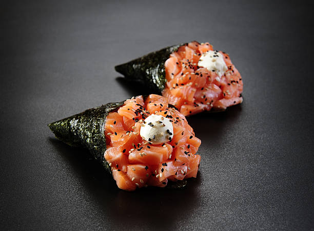 japanese food - temaki - japanse gerechten stockfoto's en -beelden