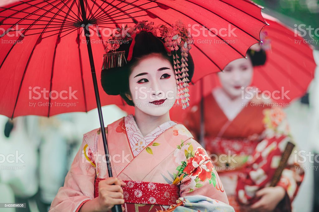 Japanese girls in Kimonos bildbanksfoto