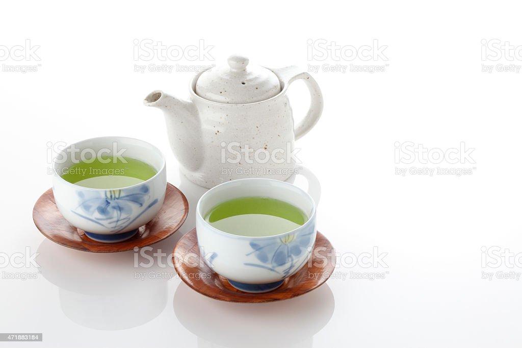 Tassen Theiere thé vert japonais dans la tassen porcelaine et théière – photos et