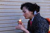 日本の着物の女性