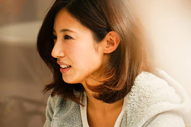 日本の女性 - ライフスタイルのトレンド ストックフォトと画像