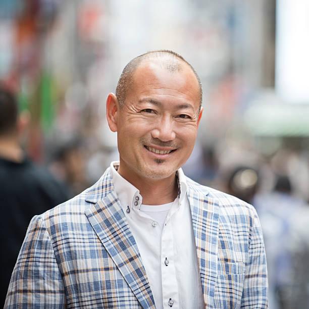 Retrato de hombre japonés - foto de stock