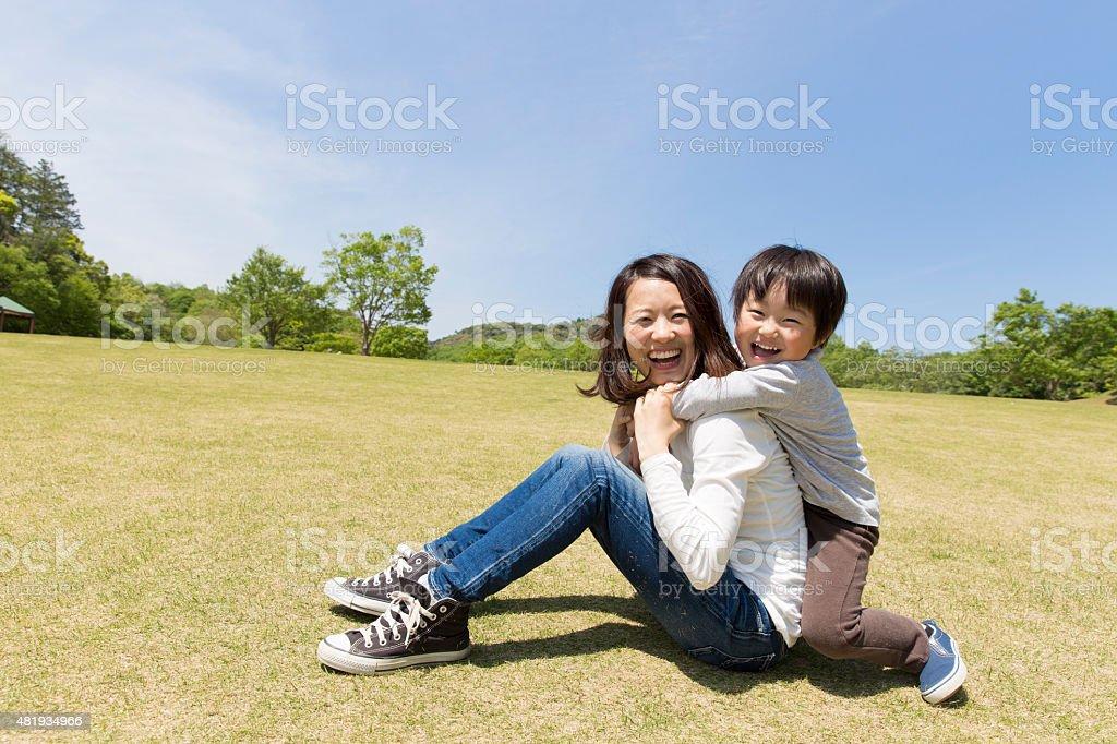Japanese mãe e criança - foto de acervo