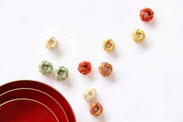 japanese  new year's image  (sakazuki and mizuhiki ) - мидзухики стоковые фото и изображения