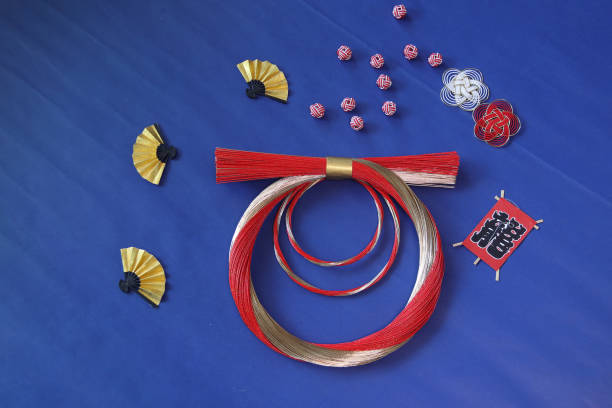 japanese new year's image (mizuhiki wreath  and kite etc) - мидзухики стоковые фото и изображения