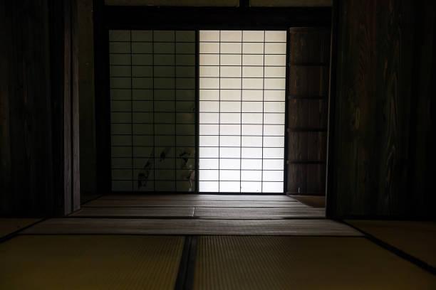 日本の古い家(日本の古い部屋) - 畳 ストックフォトと画像