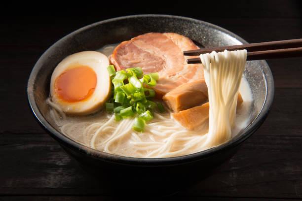 日本のラーメン。 - ラーメン ストックフォトと画像