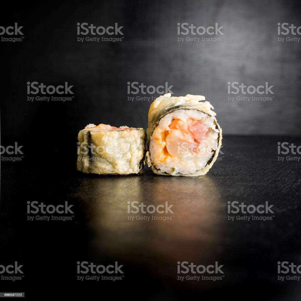 Japanese restaurant food. Sushi rolls on dark background. photo libre de droits