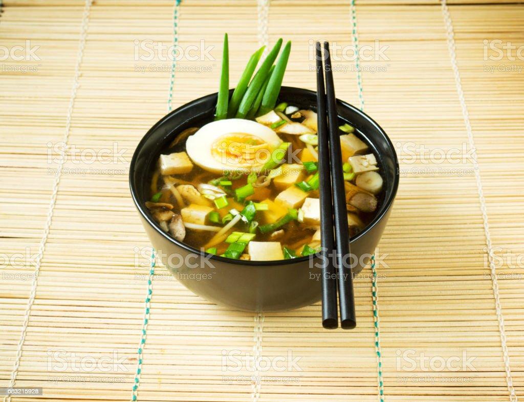 日本黑碗裡的湯 免版稅 stock photo