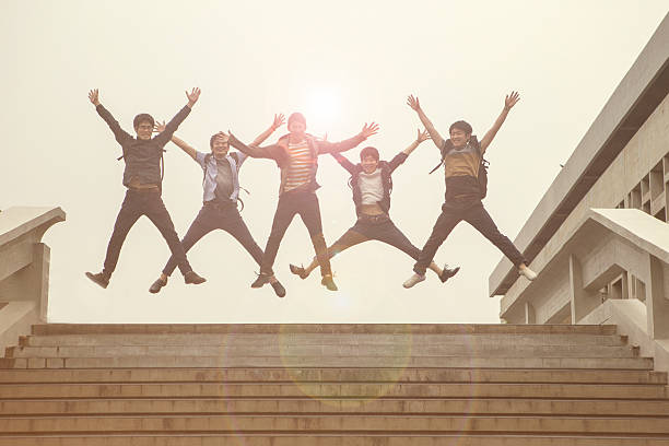 日本人学生ご友人とご一緒に喜び 同級生 日本、京都 ストックフォト