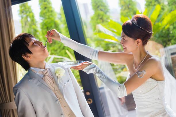 日本の結婚式の花嫁 - 結婚式 ストックフォトと画像