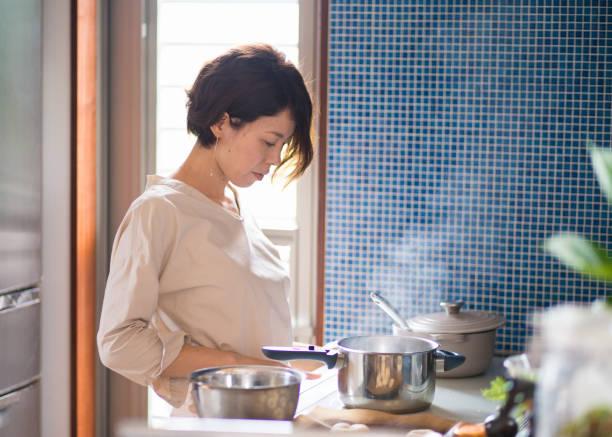 日本女性のランチ料理 - 料理 ストックフォトと画像