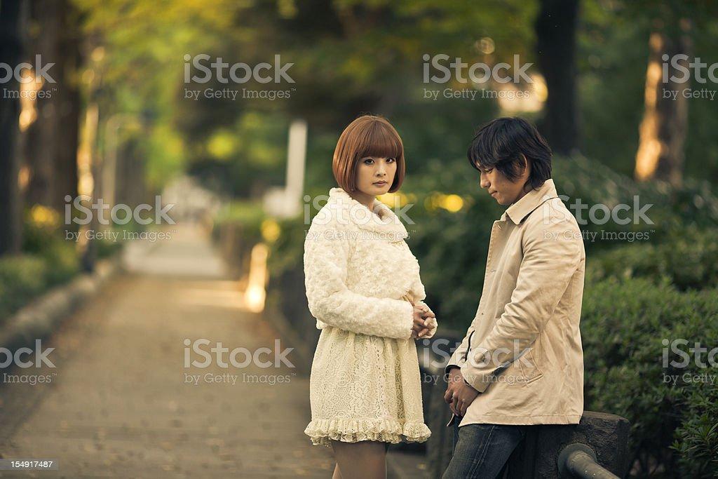 日本の若いカップル遮断出力 ストックフォト