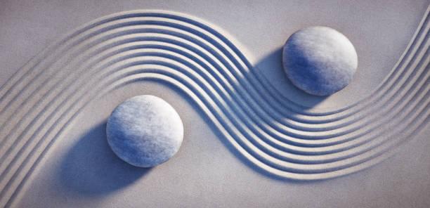 jardín zen japonés con arena texturizada - foto de stock - yin yang symbol fotografías e imágenes de stock