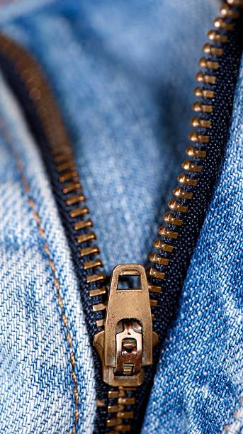 Jeans mit Reißverschluss – Foto