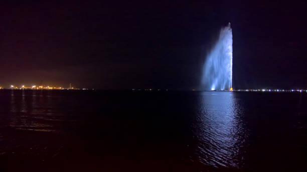 jeddah's fountain - sharia foto e immagini stock