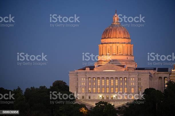 Jefferson city missouri capital building downtown sunset architecture picture id588609958?b=1&k=6&m=588609958&s=612x612&h=t hqgjy5gqehbdnenxasgepkwphjy00fqqc zy9kgas=