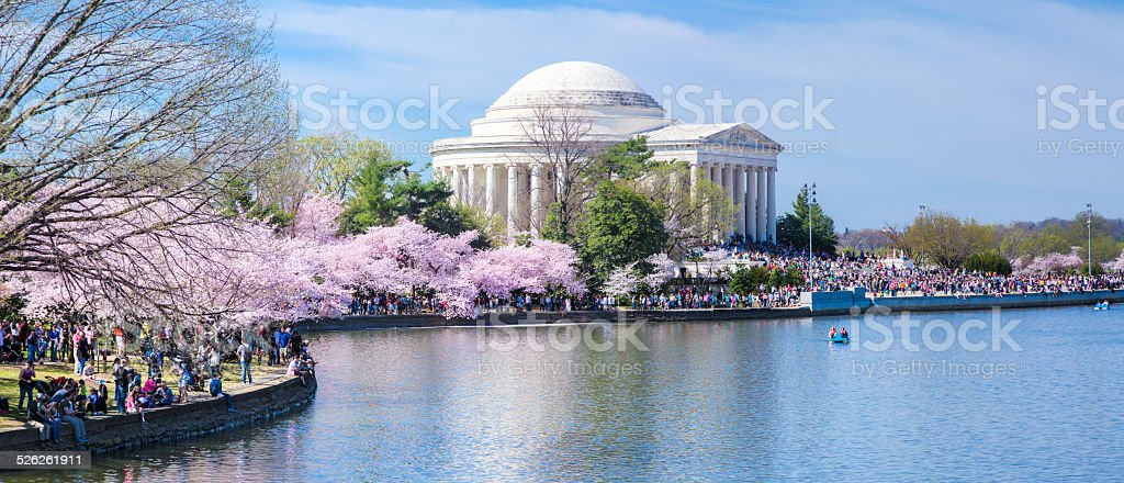 Jefferson Memorial and Crowds, Cherry Blossom Festival by Tidal Basin stock photo