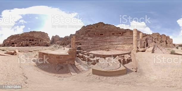Jerash ancient roman city picture id1129310344?b=1&k=6&m=1129310344&s=612x612&h=uj5ca sa8dknzx8wu dmgpu8nwtchjuu2ddrgqmt1is=