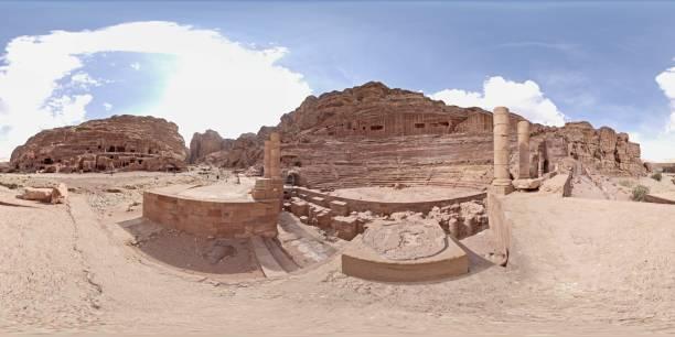 ciudad romana de jerash antigua - 360 fotografías e imágenes de stock